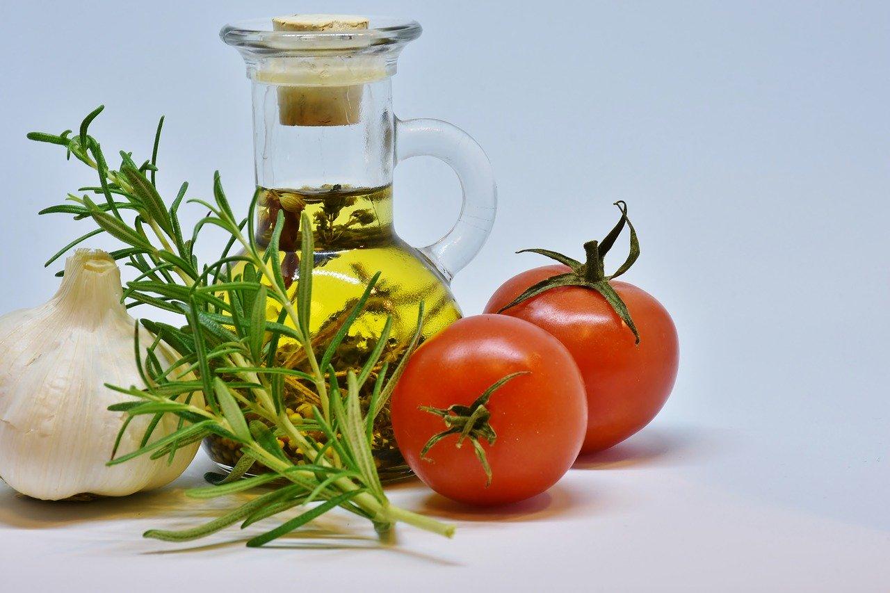 Eat Nuts & healthy oils on keto diet